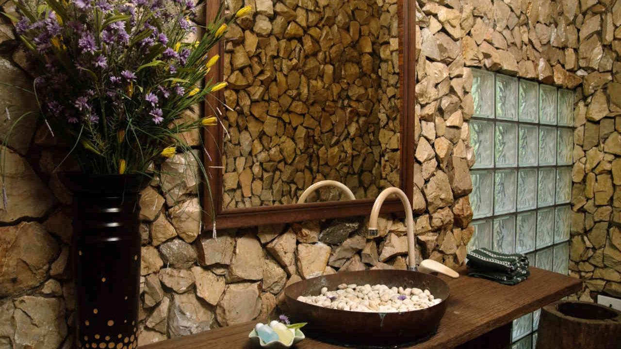 diseño para baños con piedra natural